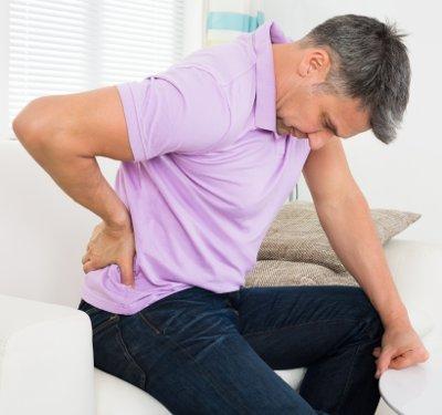 Из-за спазма и боли человек начинает меньше двигаться