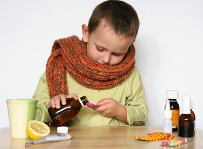 Как эффективно лечить и вылечить насморк у детей